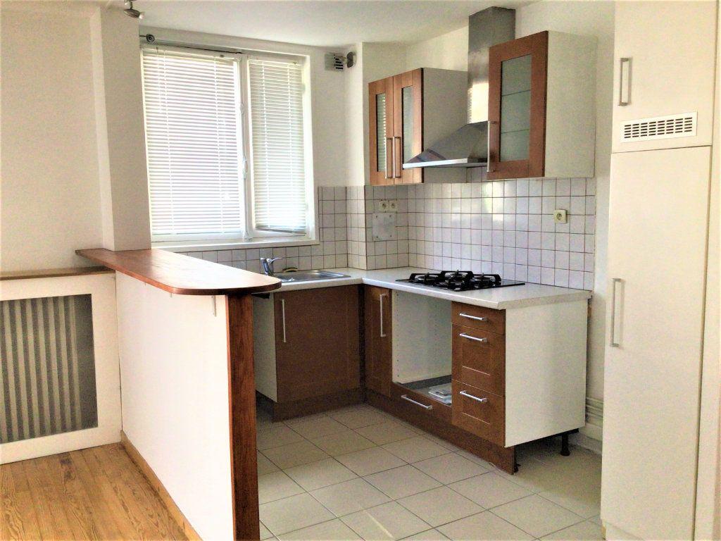 Appartement à louer 2 39m2 à Montrouge vignette-4