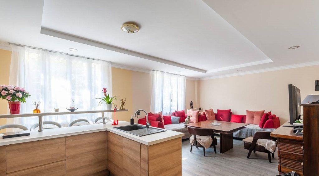 Appartement à vendre 5 116.82m2 à Paris 14 vignette-2