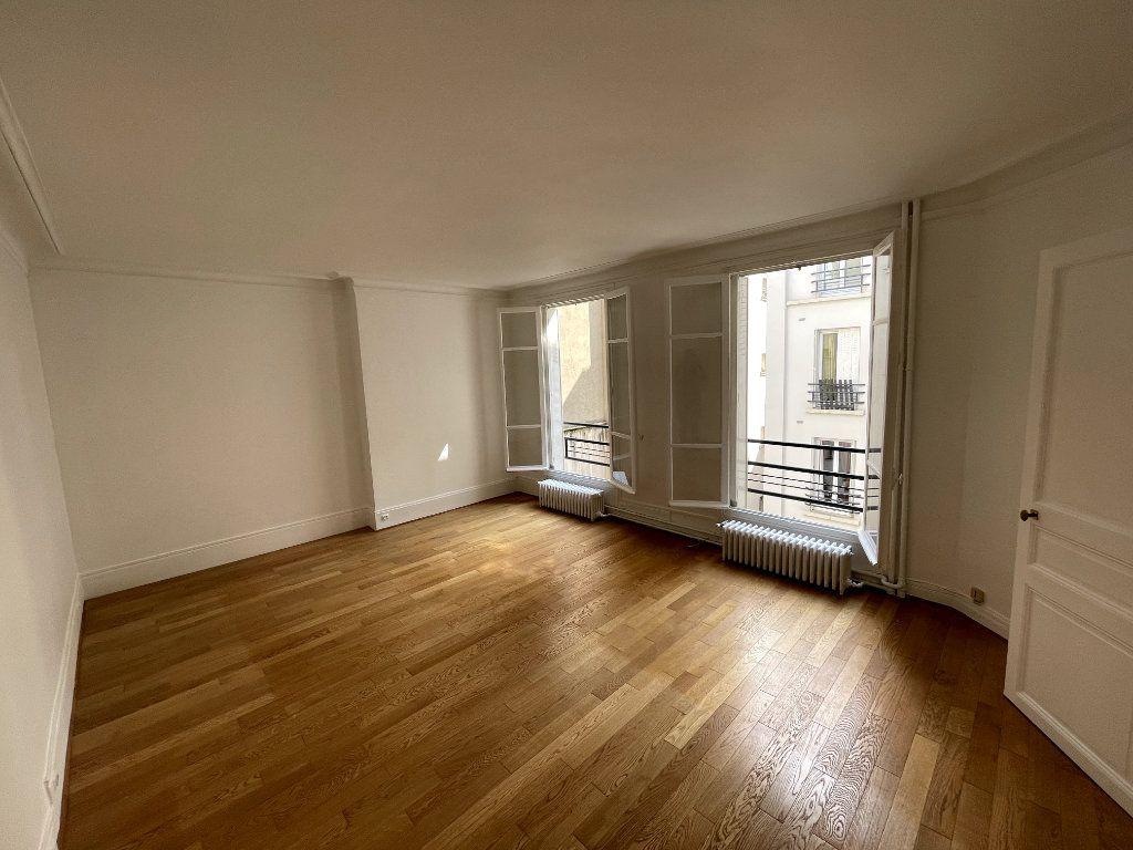 Appartement à vendre 2 48.58m2 à Paris 14 vignette-1