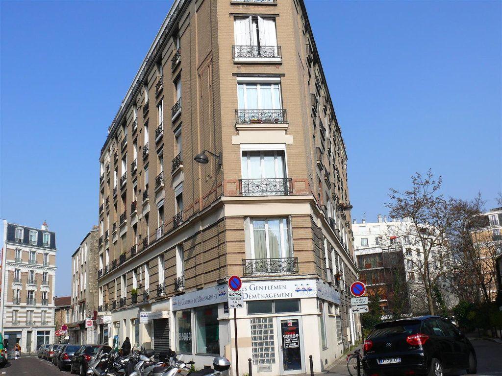 Appartement à louer 2 35m2 à Paris 15 vignette-1
