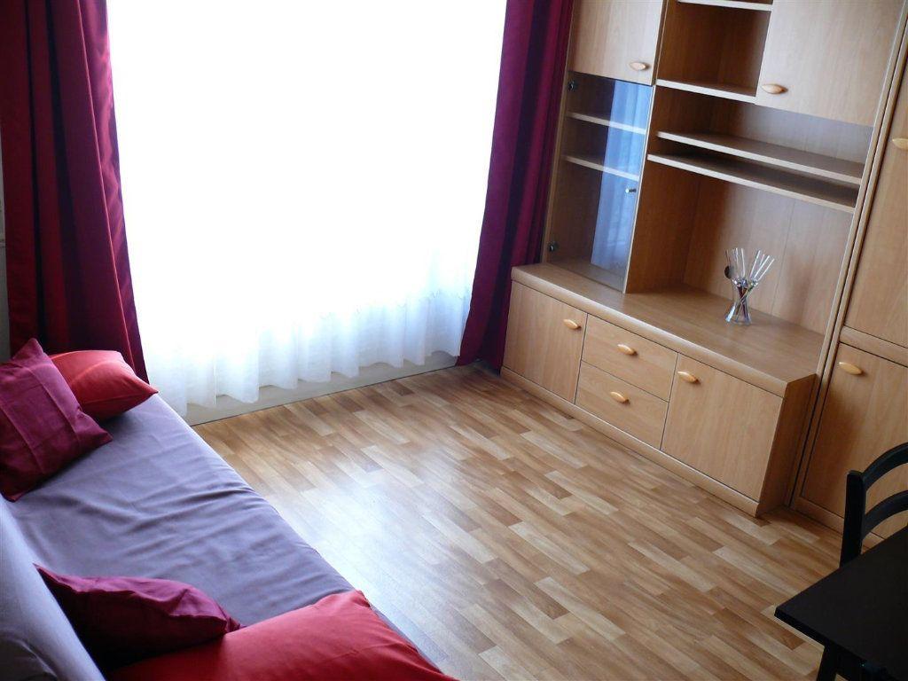 Appartement à louer 2 35m2 à Paris 15 vignette-4