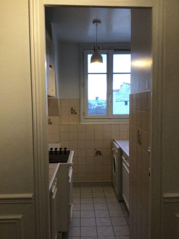 Appartement à louer 2 35m2 à Paris 15 vignette-3