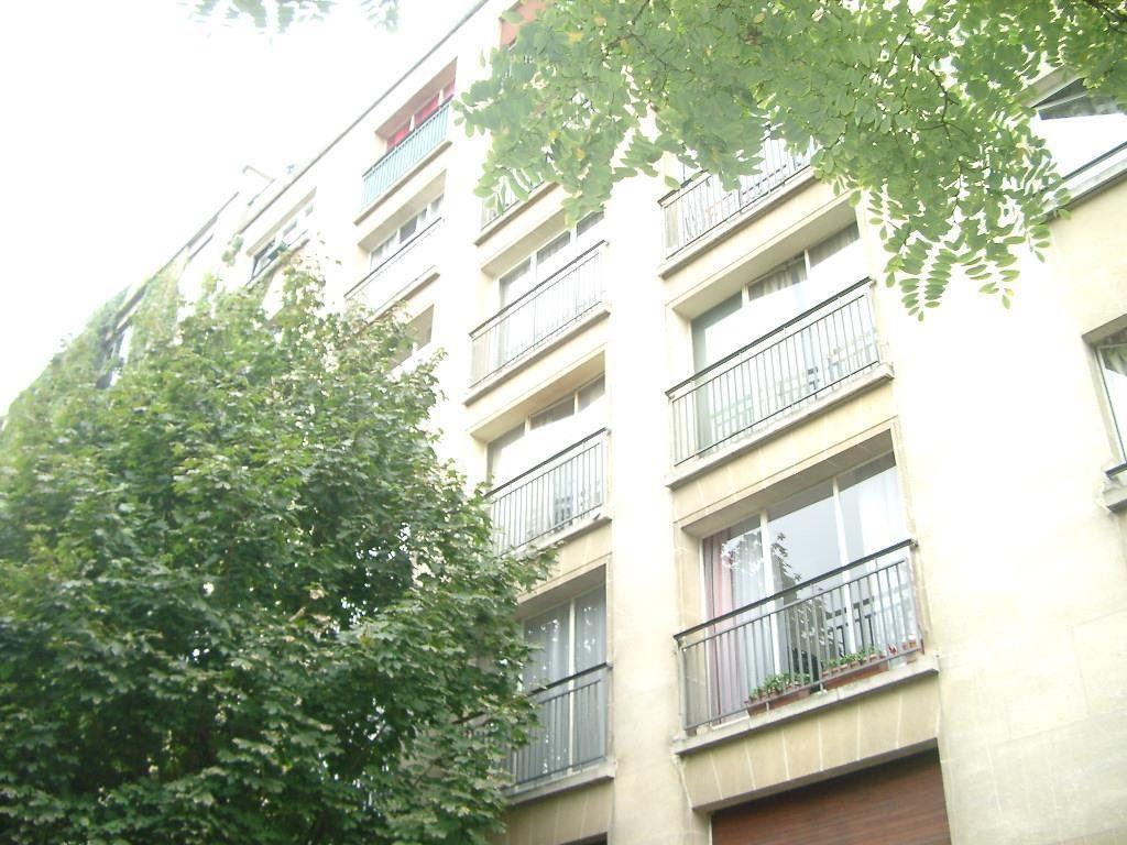 Appartement à louer 1 22m2 à Paris 14 vignette-1