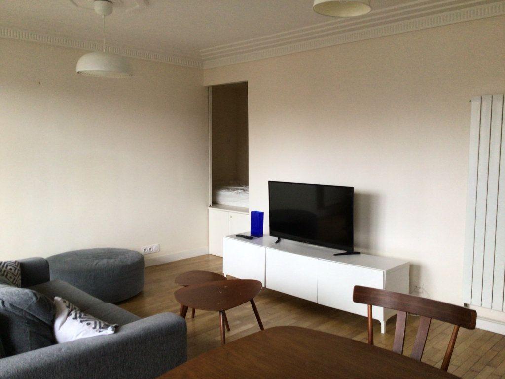 Appartement à louer 1 31.68m2 à Paris 15 vignette-5