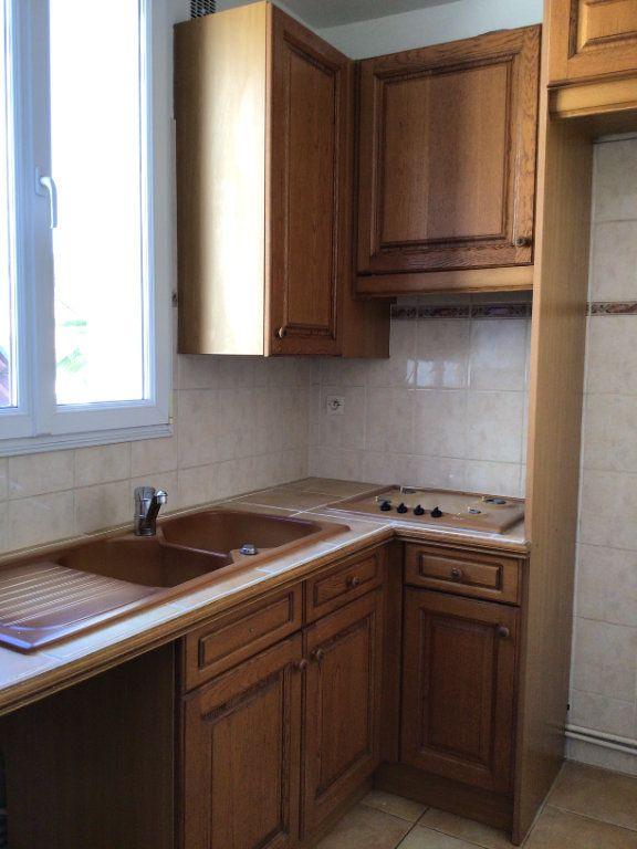 Appartement à louer 2 41.25m2 à Malakoff vignette-2