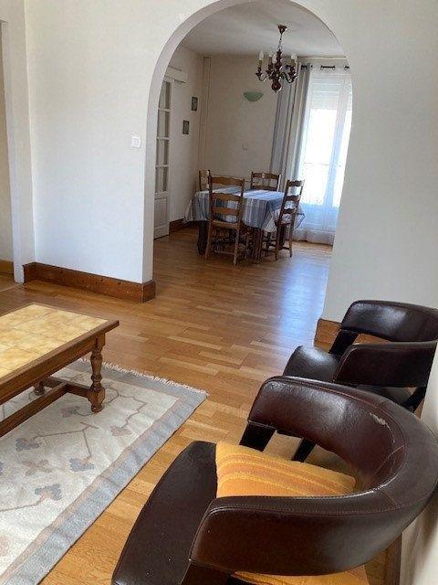 Appartement à louer 3 62m2 à Paris 15 vignette-3