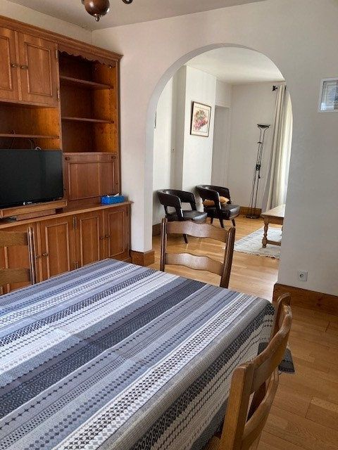 Appartement à louer 3 62m2 à Paris 15 vignette-4