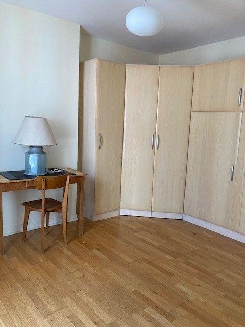 Appartement à louer 3 62m2 à Paris 15 vignette-5