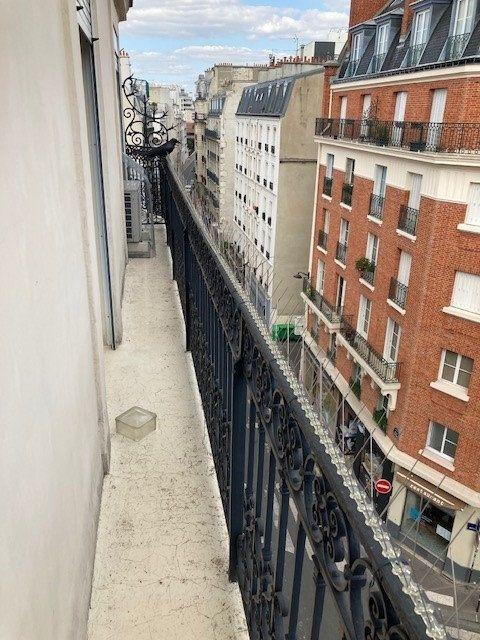 Appartement à louer 3 62m2 à Paris 15 vignette-8