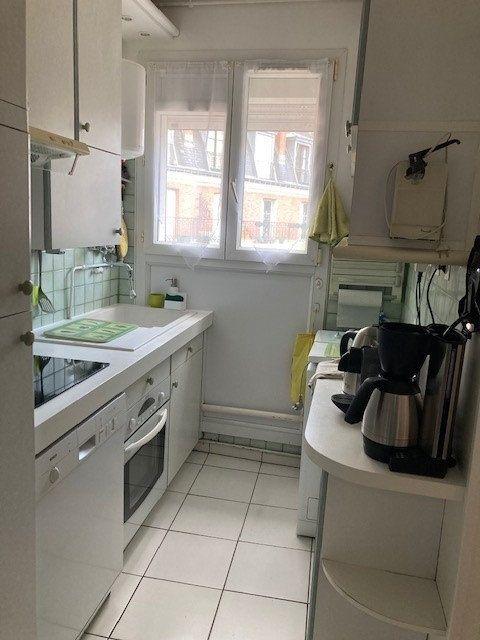 Appartement à louer 3 62m2 à Paris 15 vignette-9