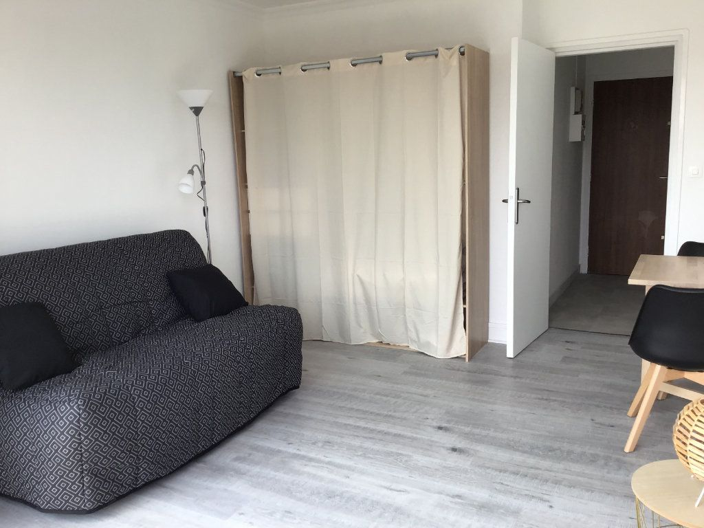 Appartement à louer 1 23m2 à Montrouge vignette-1