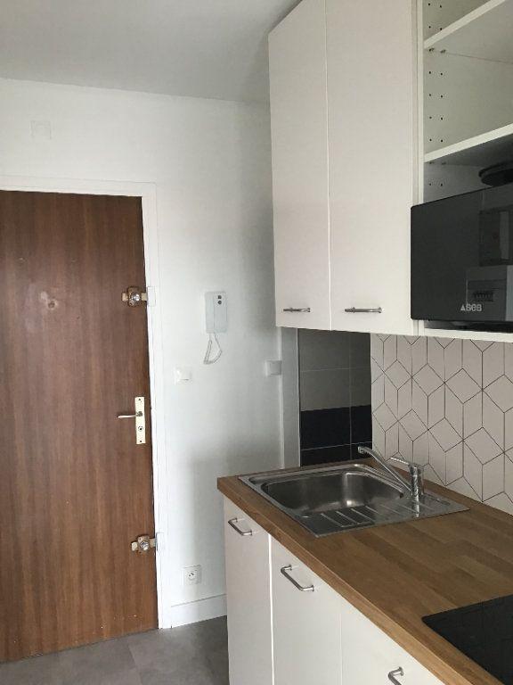 Appartement à louer 1 23m2 à Montrouge vignette-3