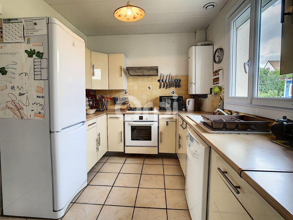 Maison à vendre 5 130m2 à Montataire vignette-4