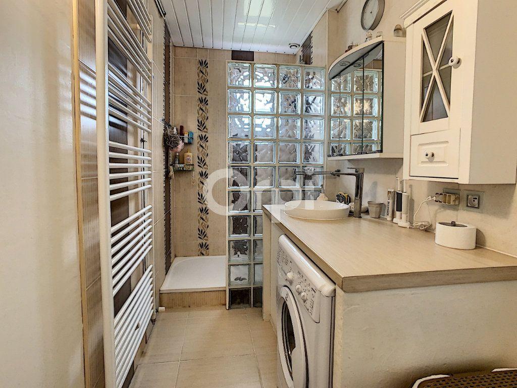 Maison à vendre 5 130m2 à Montataire vignette-5