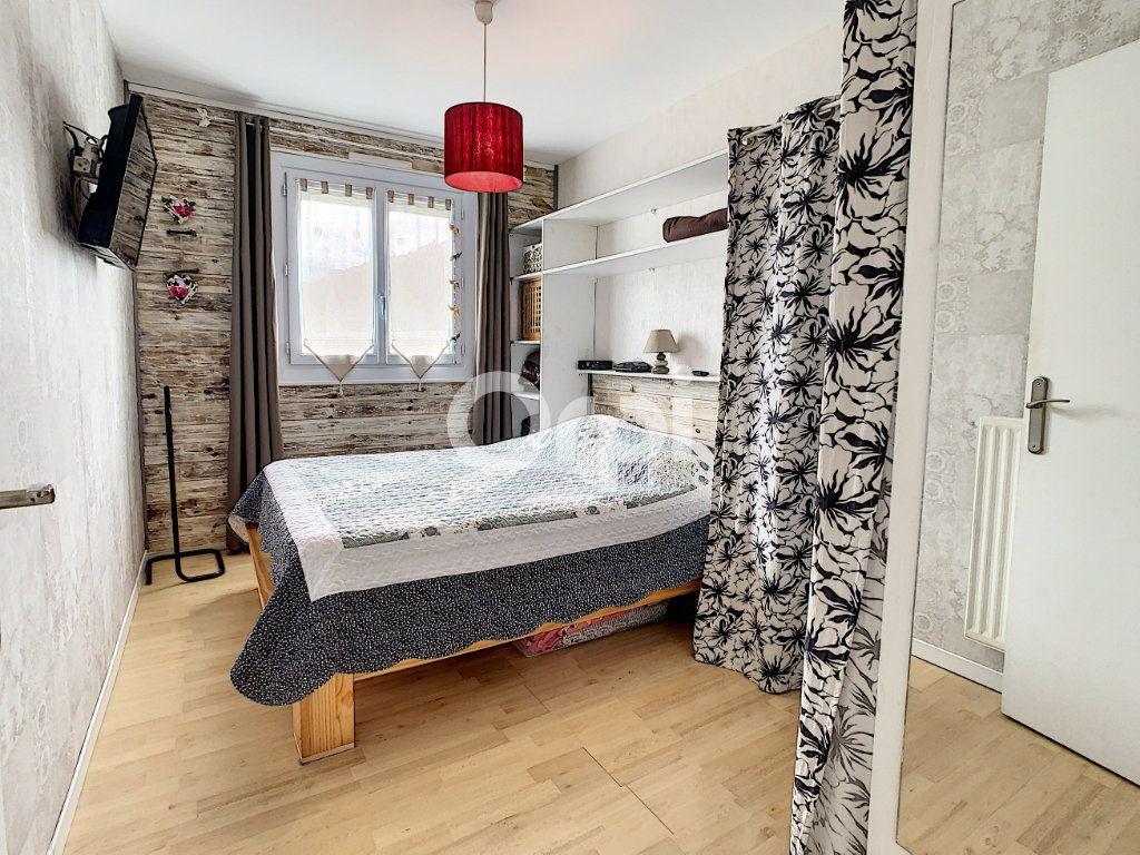 Maison à vendre 5 130m2 à Montataire vignette-9