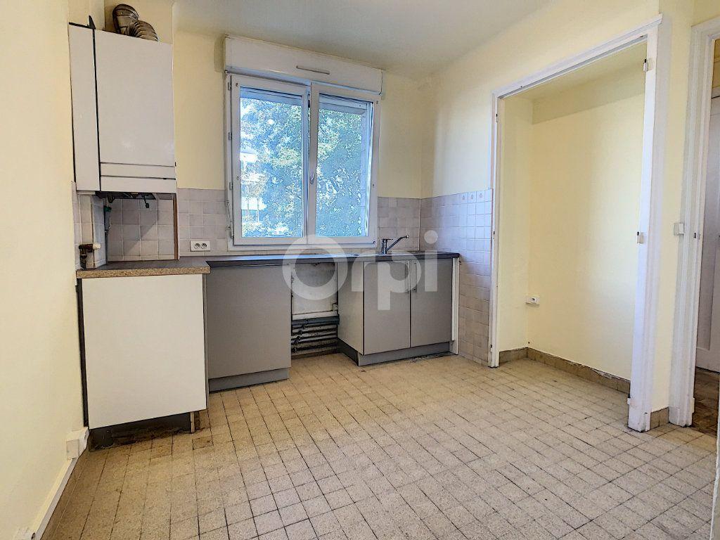 Appartement à louer 3 67.53m2 à Creil vignette-2