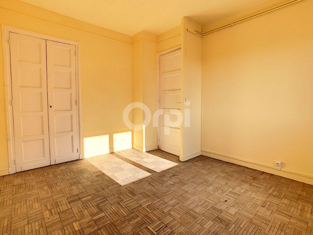 Appartement à louer 3 67.53m2 à Creil vignette-3