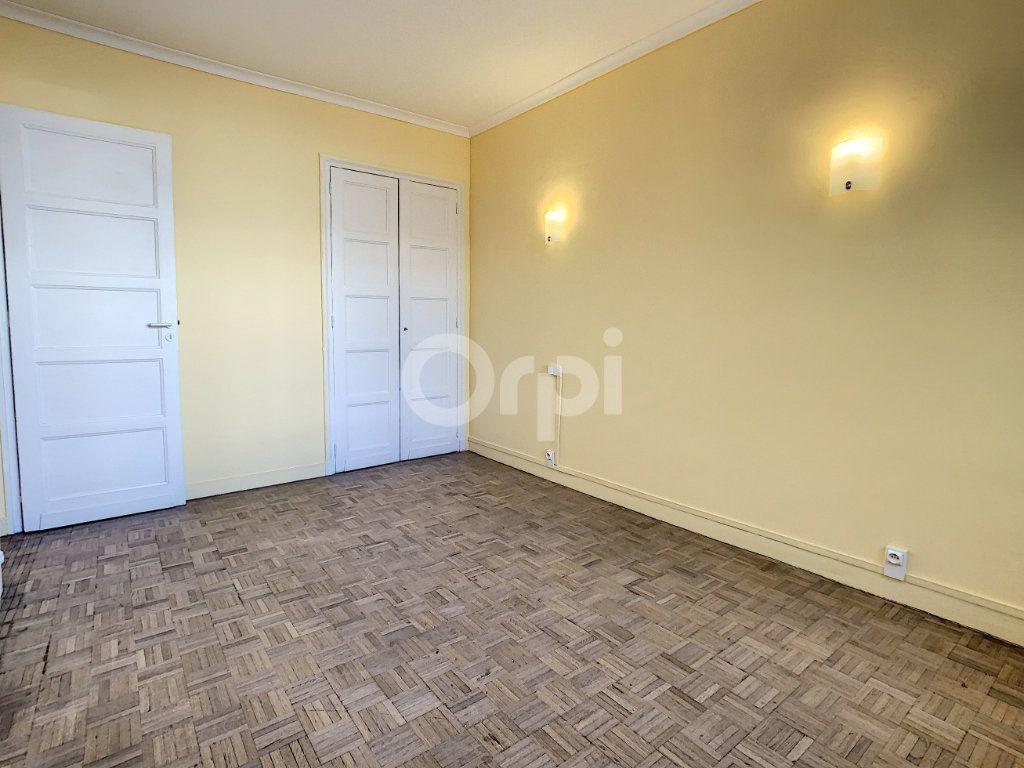Appartement à louer 3 67.53m2 à Creil vignette-4