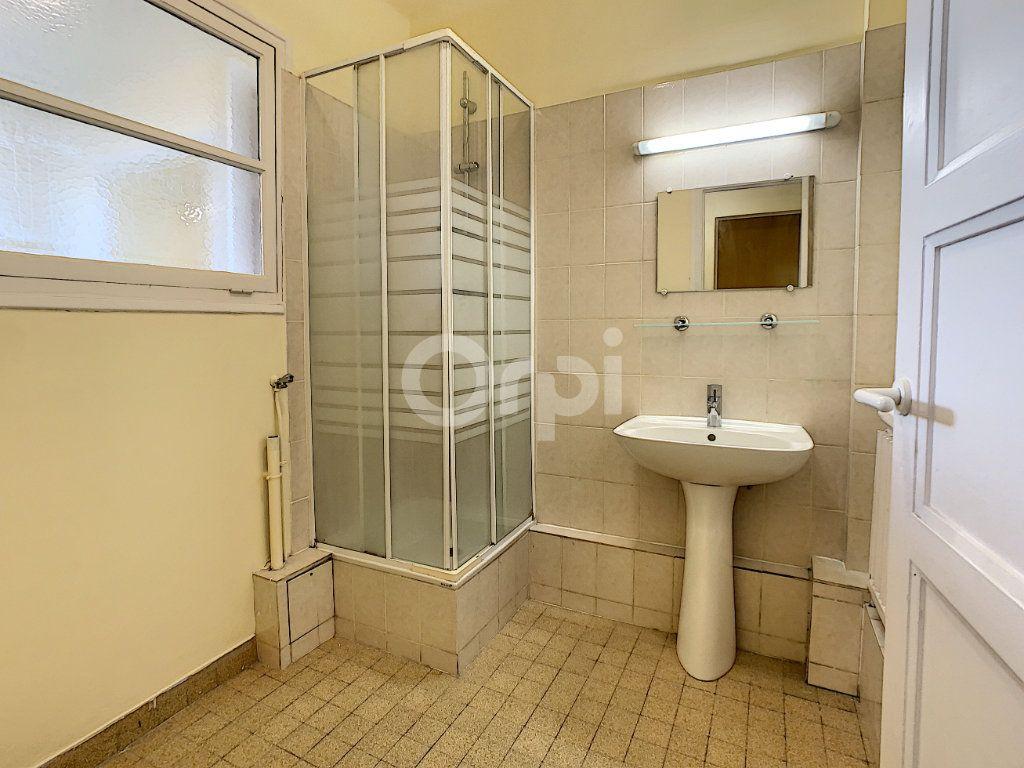 Appartement à louer 3 67.53m2 à Creil vignette-5
