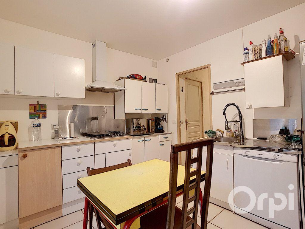 Maison à vendre 5 109.34m2 à Saint-Leu-d'Esserent vignette-1