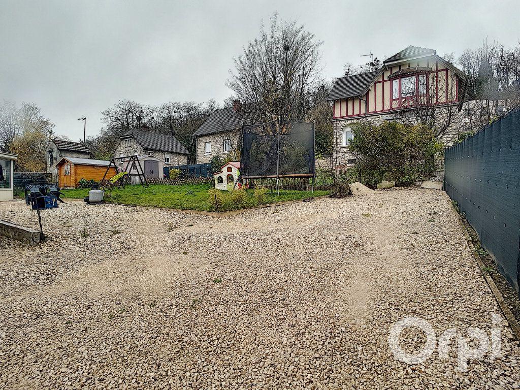 Maison à vendre 5 109.34m2 à Saint-Leu-d'Esserent vignette-9
