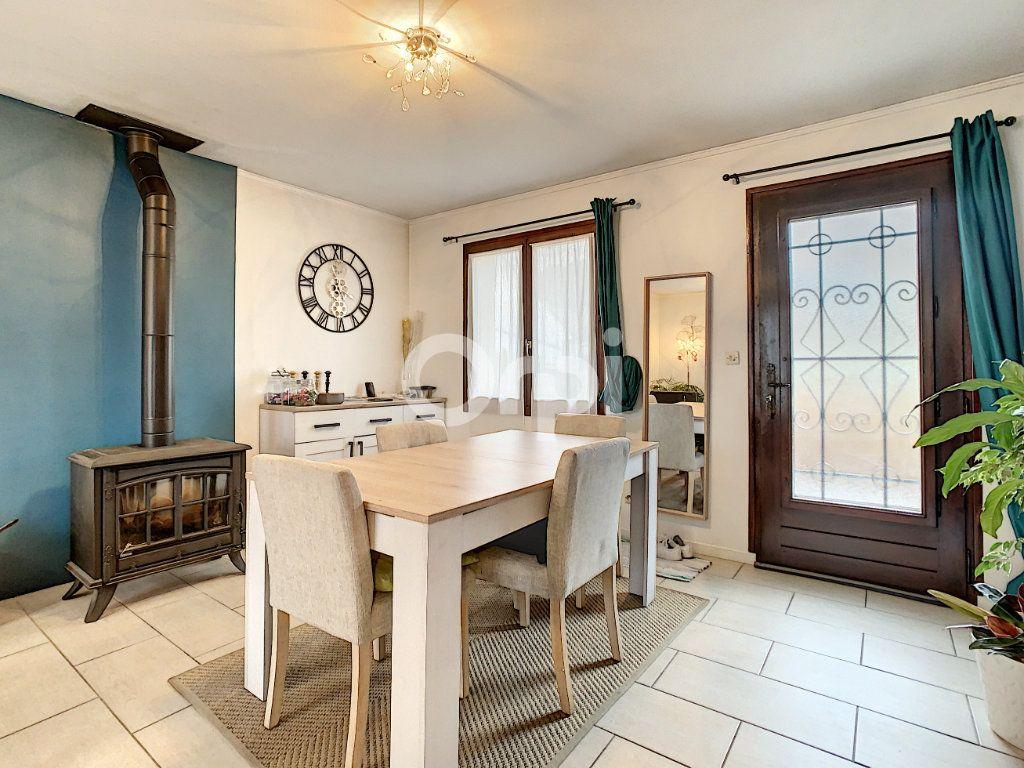 Maison à vendre 6 135m2 à Villers-Saint-Paul vignette-1