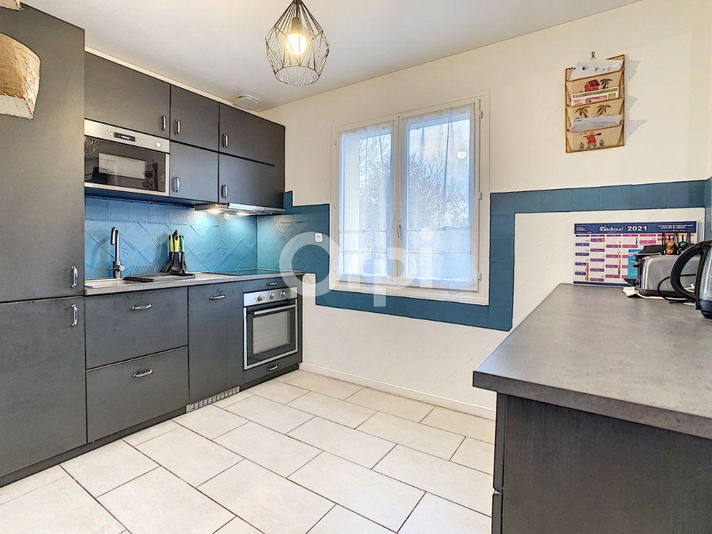 Maison à vendre 6 135m2 à Villers-Saint-Paul vignette-3