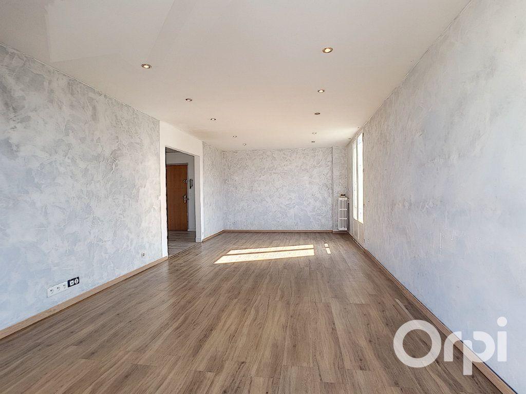 Appartement à vendre 4 75m2 à Creil vignette-2