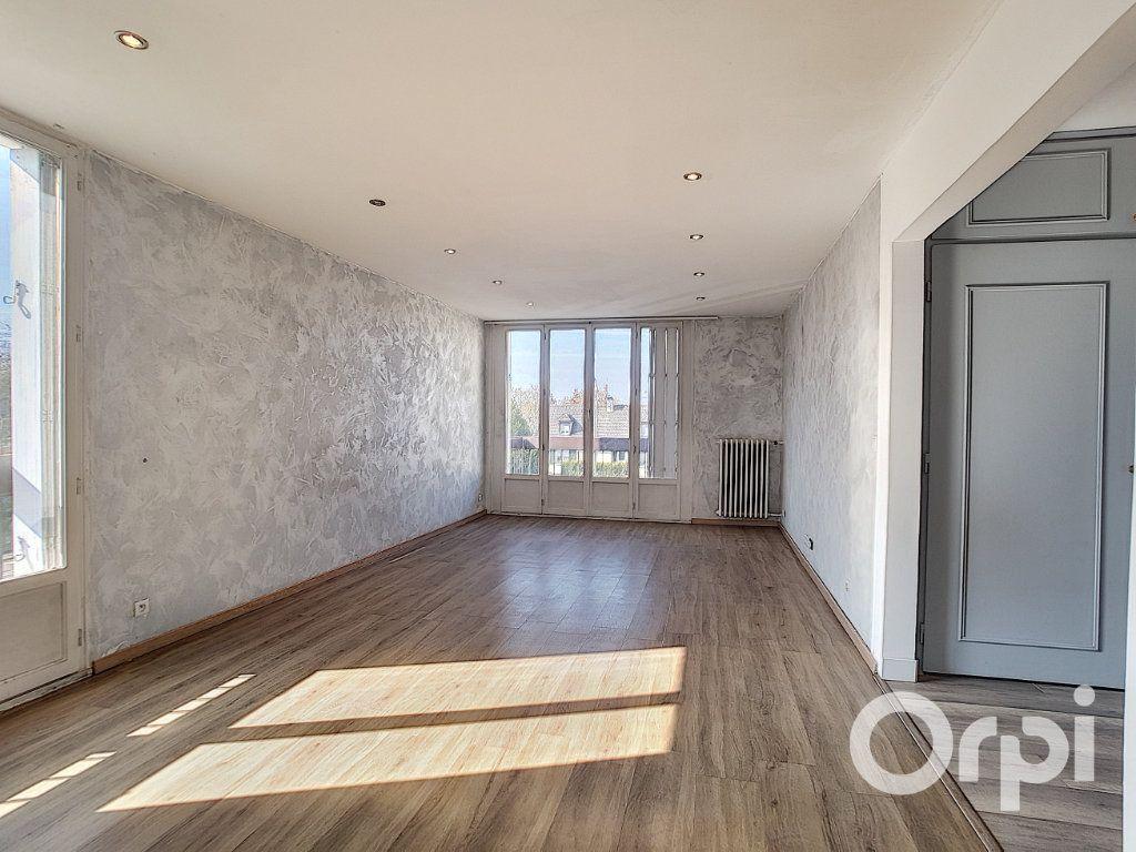 Appartement à vendre 4 75m2 à Creil vignette-3