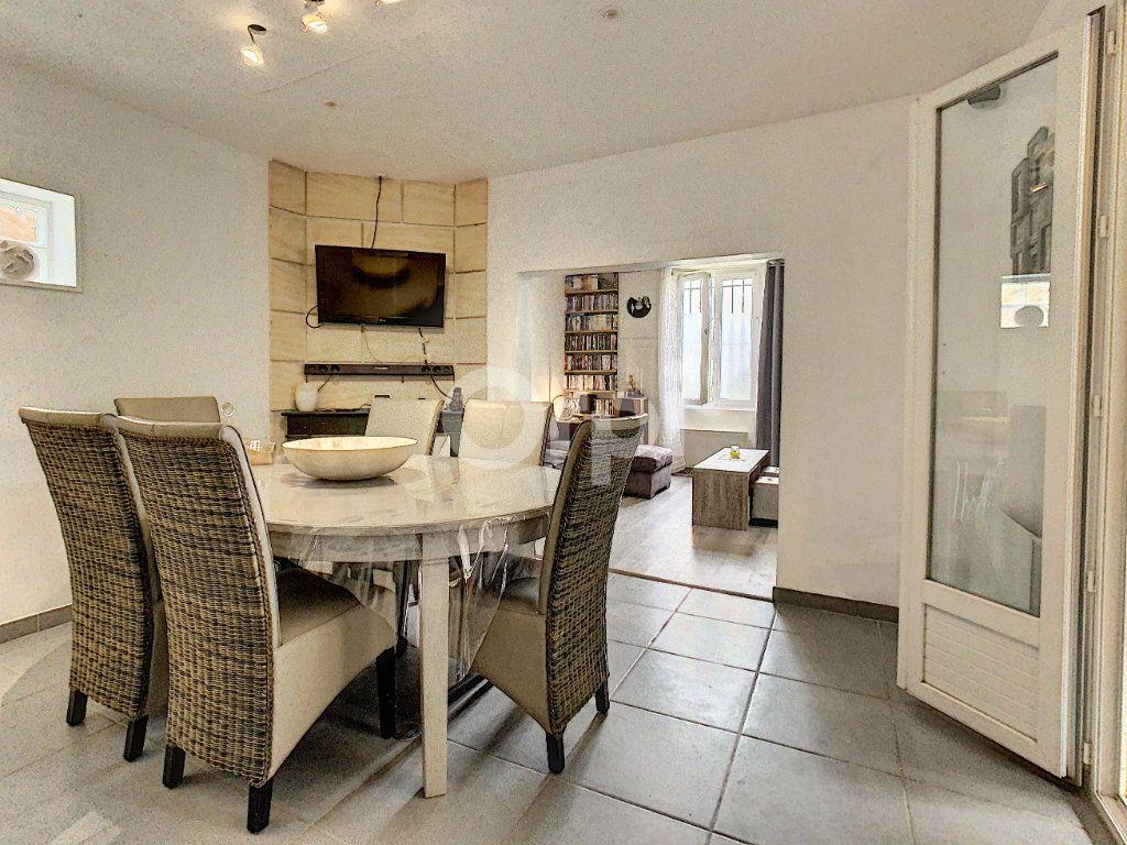 Maison à vendre 5 110m2 à Villers-Saint-Paul vignette-1