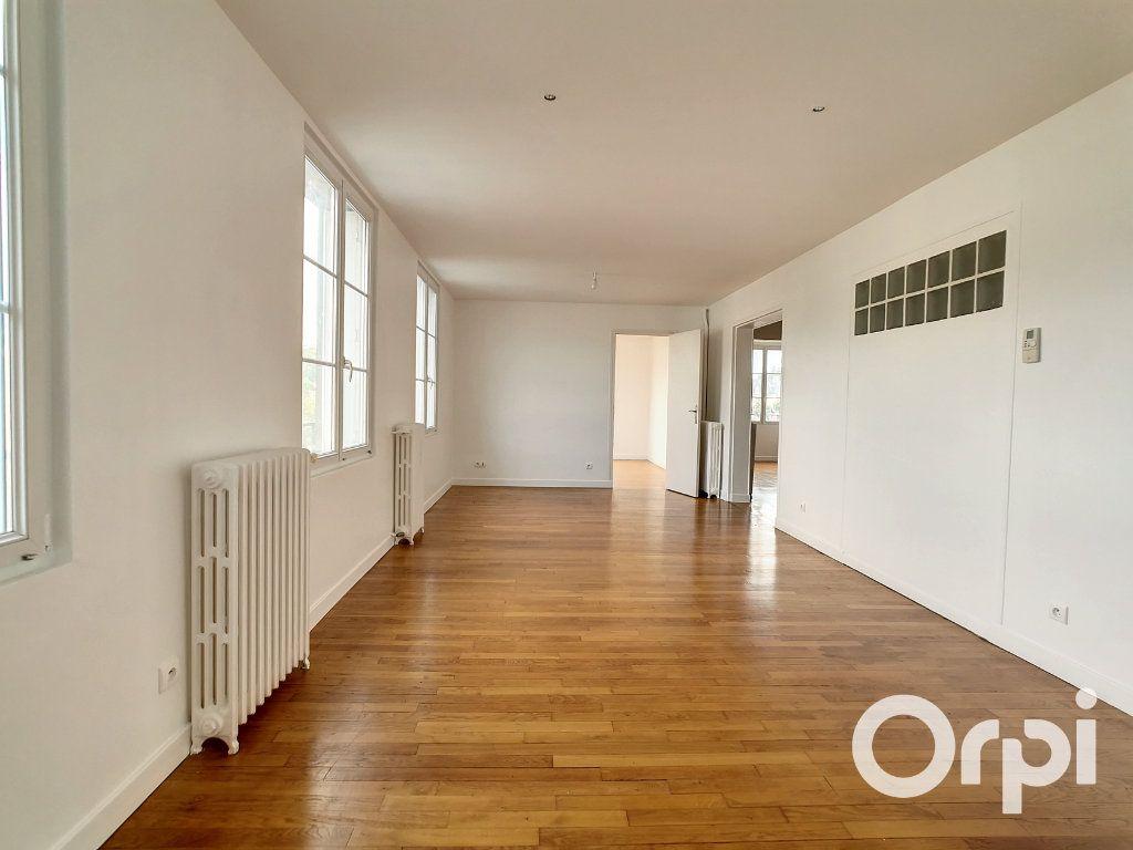 Appartement à louer 5 101.34m2 à Creil vignette-1