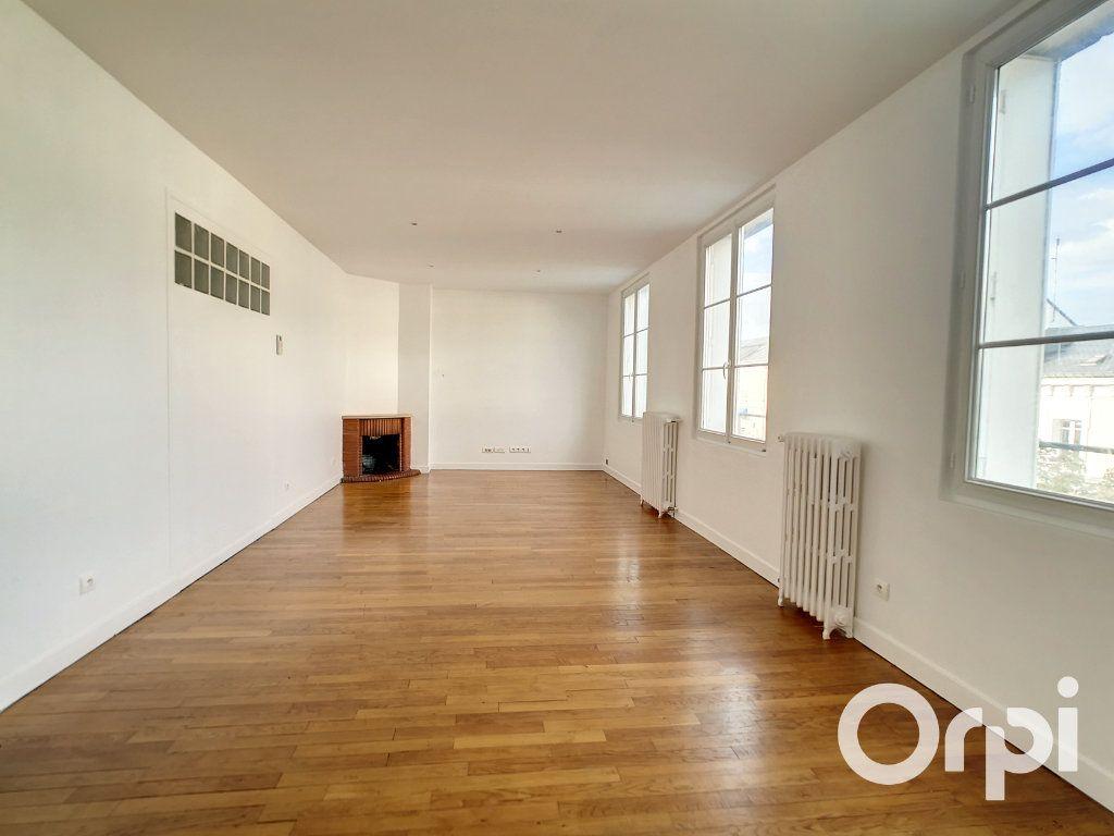 Appartement à louer 5 101.34m2 à Creil vignette-2