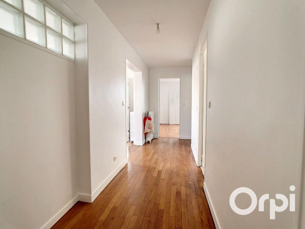 Appartement à louer 5 101.34m2 à Creil vignette-8