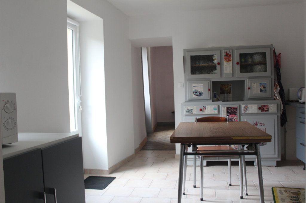 Maison à vendre 10 195m2 à Saint-Savin vignette-6