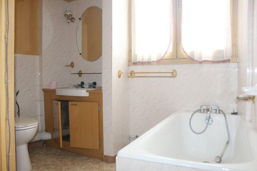 Maison à vendre 10 195m2 à Saint-Savin vignette-12