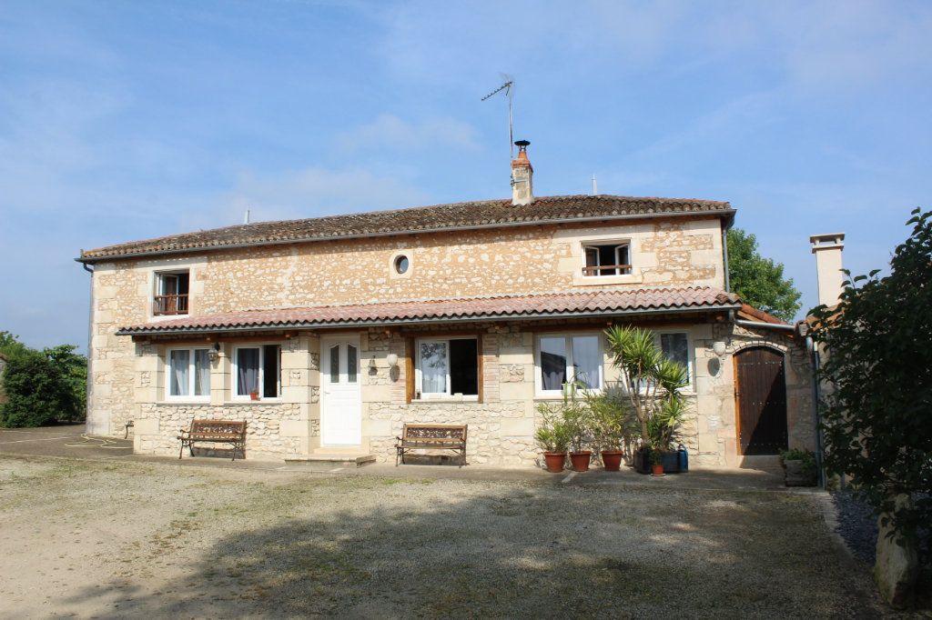 Maison à vendre 10 341m2 à Paizay-le-Sec vignette-1