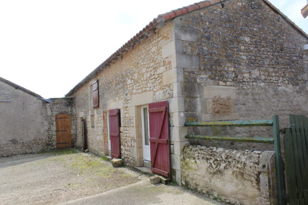 Maison à vendre 10 341m2 à Paizay-le-Sec vignette-15