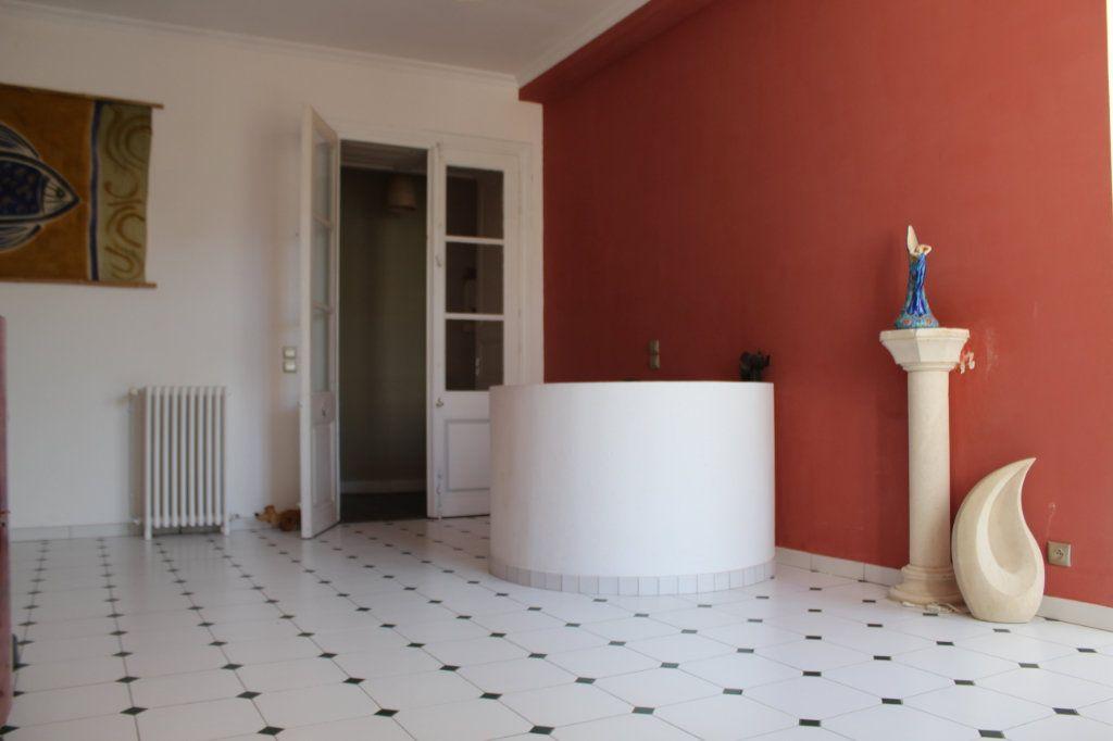 Maison à vendre 8 398m2 à Saint-Savin vignette-4