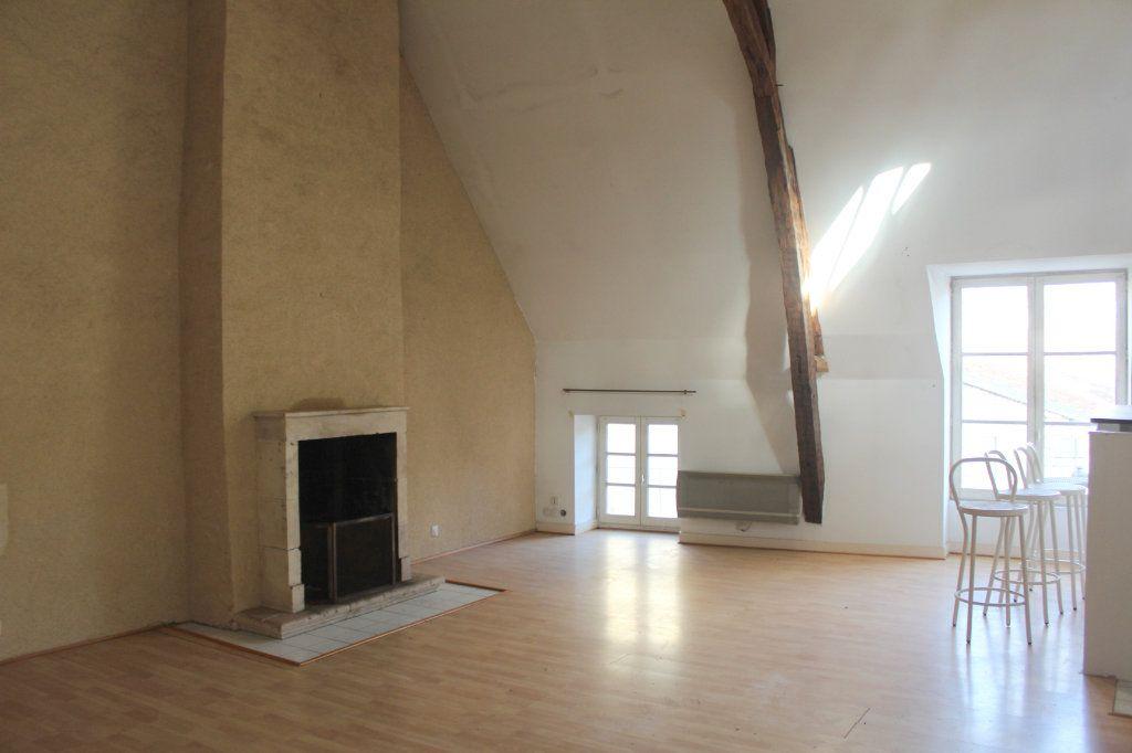 Maison à vendre 8 398m2 à Saint-Savin vignette-12