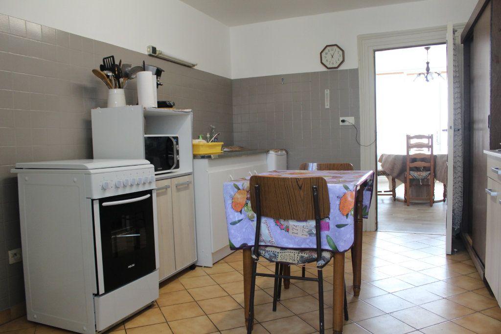 Maison à vendre 3 98m2 à Saint-Savin vignette-4