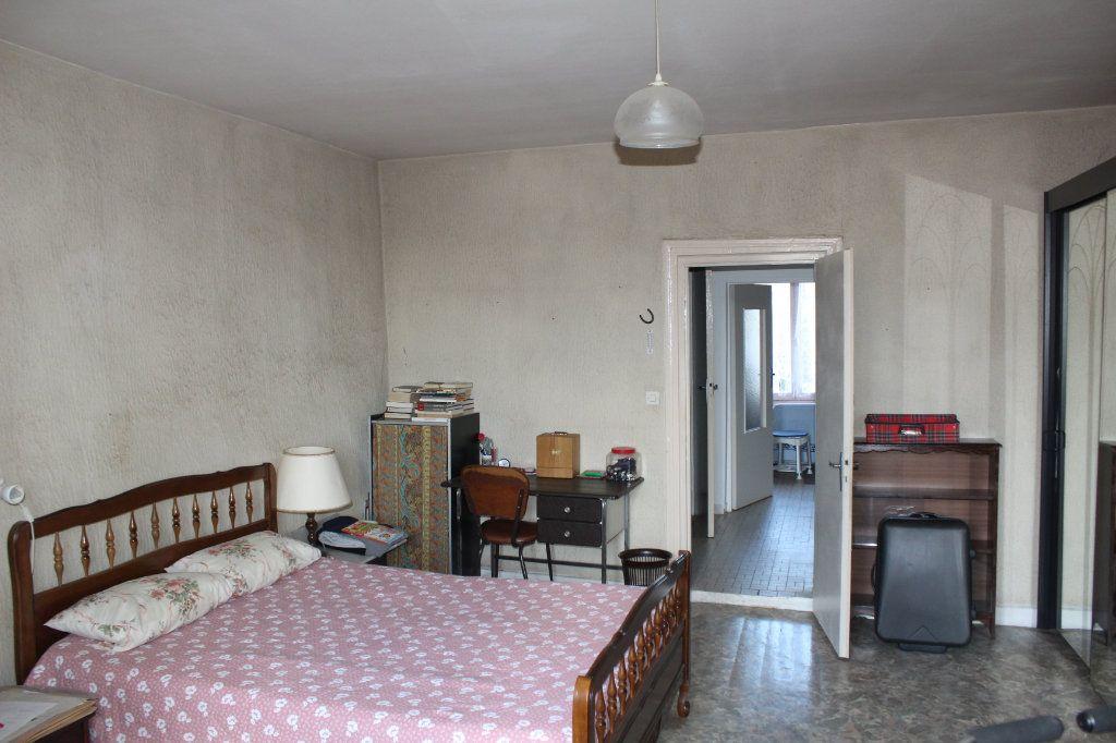 Maison à vendre 3 98m2 à Saint-Savin vignette-5