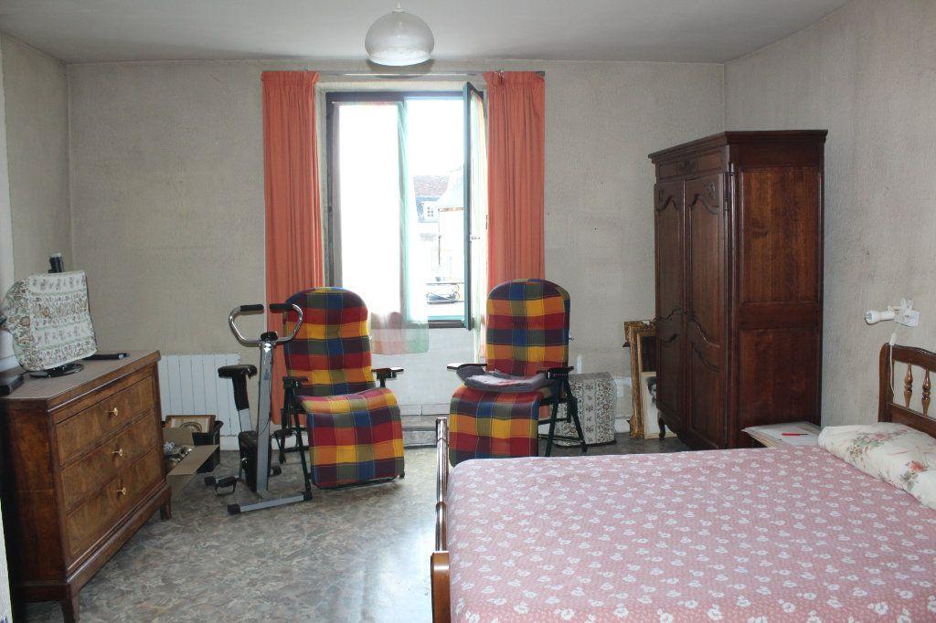 Maison à vendre 3 98m2 à Saint-Savin vignette-8