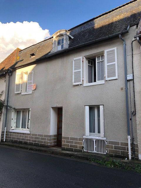 Maison à vendre 5 114m2 à Saint-Savin vignette-1