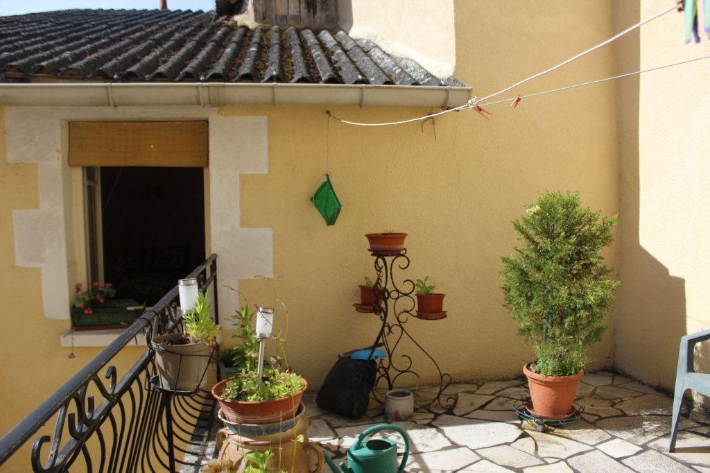 Maison à vendre 5 114m2 à Saint-Savin vignette-7