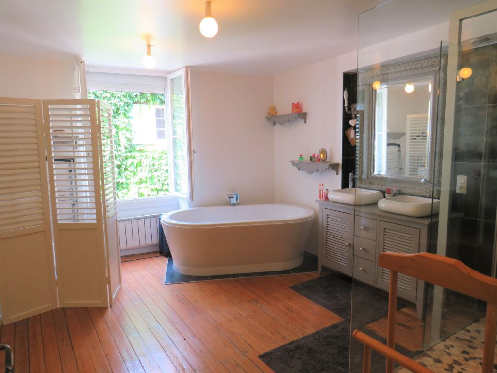 Maison à vendre 6 190m2 à Chauvigny vignette-2