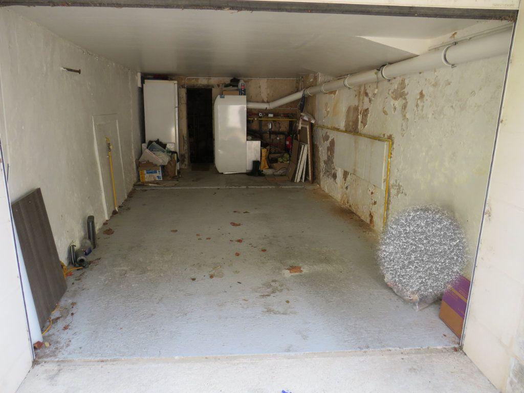 Maison à vendre 6 190m2 à Chauvigny vignette-3