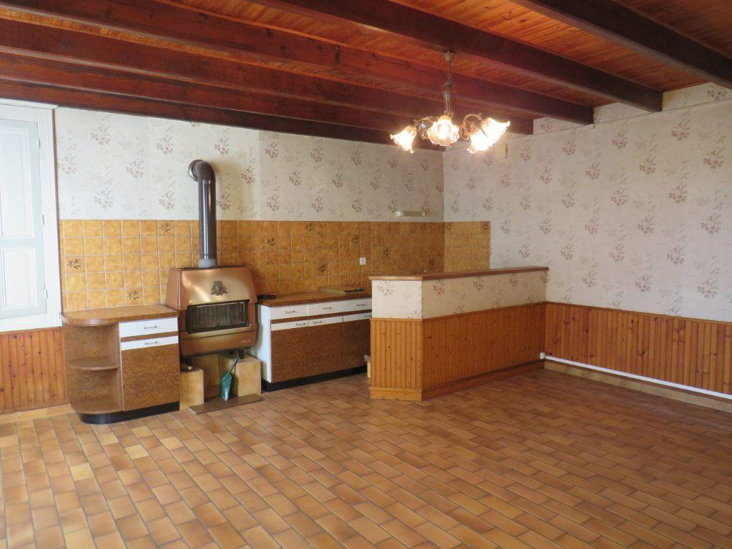 Maison à vendre 5 114.25m2 à Chapelle-Viviers vignette-2