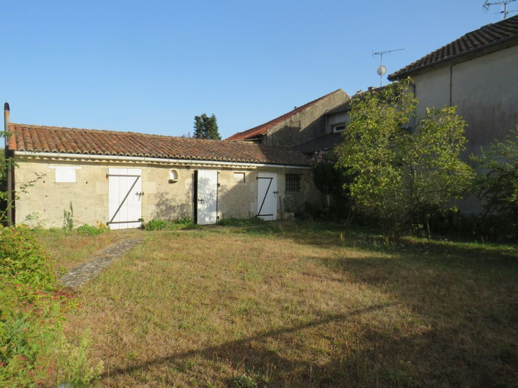 Maison à vendre 5 114.25m2 à Chapelle-Viviers vignette-3