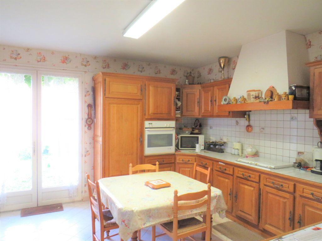 Maison à vendre 5 105m2 à Chauvigny vignette-3
