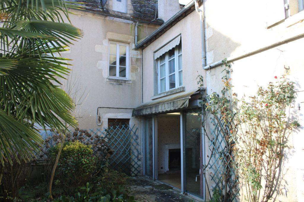 Maison à vendre 15 365m2 à Saint-Savin vignette-3